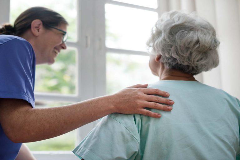 پرستار سالمندان