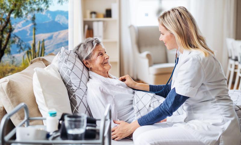 خدمات-پرستاری- از-سالمند